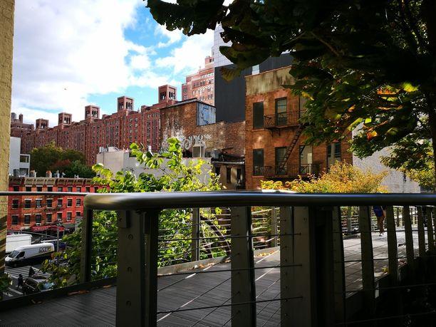 High Line Parkissa kannattaa tehdä päiväkävely.