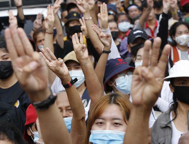 Bangkokin mielenosoitukset ovat jatkuneet jo parin kuukauden ajan.
