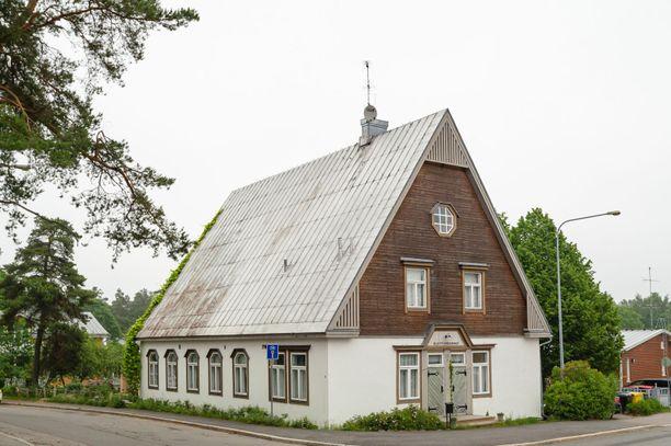 Kirkko on rakennettu talkoovoimin 1929.