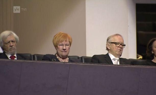 Pentti Arajärvi (vas.), Tarja Halonen ja Martti Ahtisaari osallistuivat valtiopäivien avajaisiin.