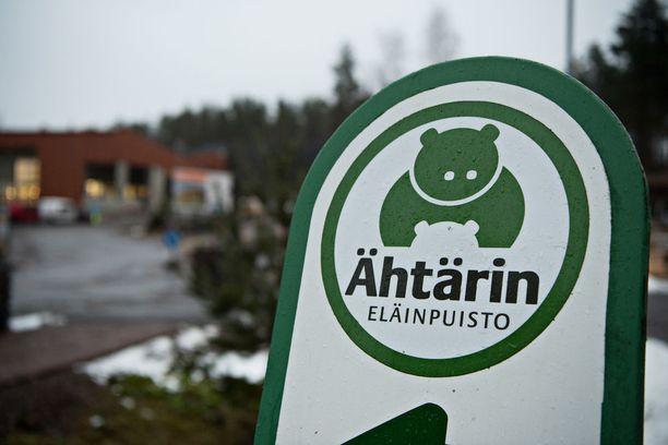 Ähtärin eläinpuisto on taloudellisissa vaikeuksissa. Eläinpuisto ja sen tytäryhtiöt tekivät viime vuonna noin miljoonan euron tappion.