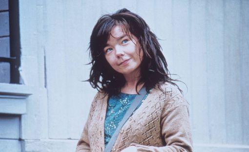 """Björk kertoi joutuneensa """"tanskalaisohjaajan"""" ahdistelemaksi elokuvan kuvauksissa."""