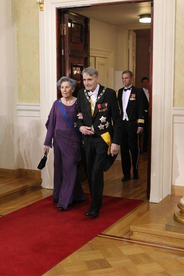 Presidentti Mauno Koivisto ja rouva Tellervo Koivisto Presidentinlinnan juhlavastaanotolla vuonna 2011.