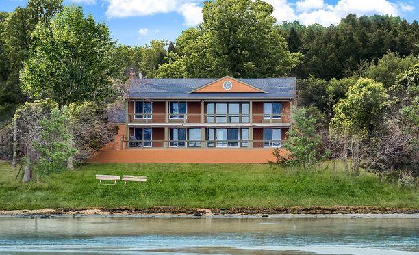 The Sun -lehden mukaan talo ehti olla myynnissä viisi kuukautta.