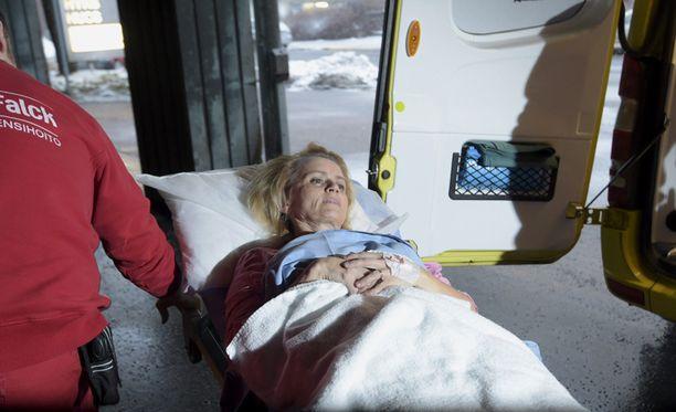 Ministeri Räsänen joutui eilen sairaalahoitoon, kun kaksi henkilöautoa oli kolaroinut Virolahdella Kymenlaaksossa.