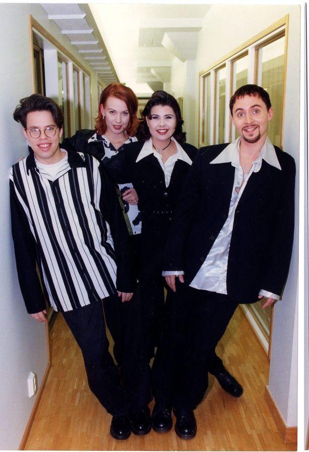 Aikakone vuonna 1995 uran breikkaamisen jälkeen, jolloin nousukiito oli kovimmillaan. Kuvassa Maki (vas.), Vera, Sani ja Alex.