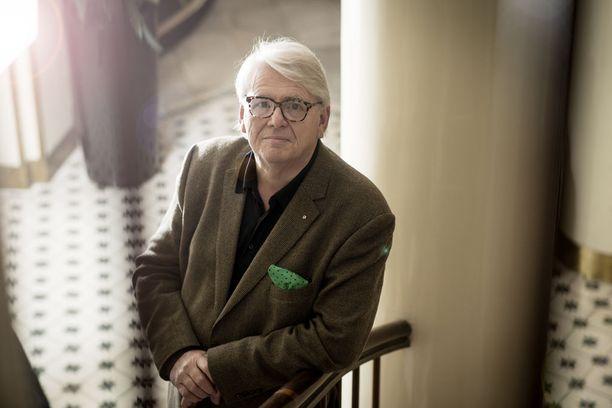 Lasse Lehtinen pelkää SDP:n kuihtuvan vasemmistoliiton eläkeläisosastoksi.