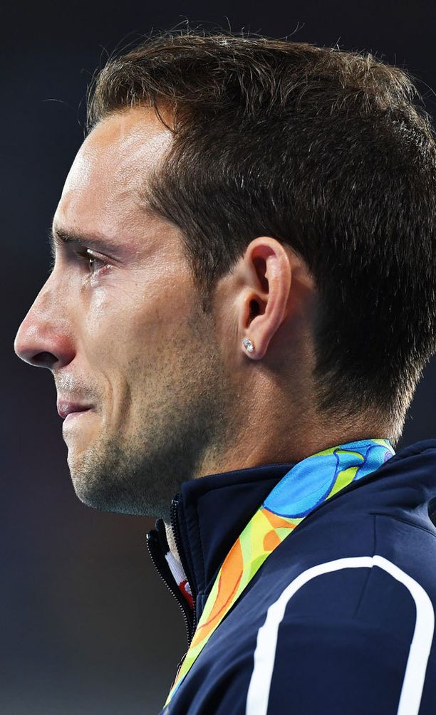 Renaud Lavillenie oli ennakkosuosikki, sillä hän voitti seiväshypyn olympiakultaa neljä vuotta sitten Lontoossa.