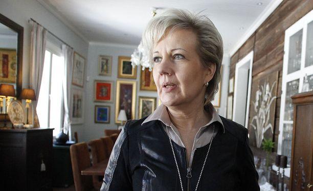 Ex-kansanedustaja Suvi Lindénin mukaan hänen on vaikea löytää sopivia töitä Oulusta.