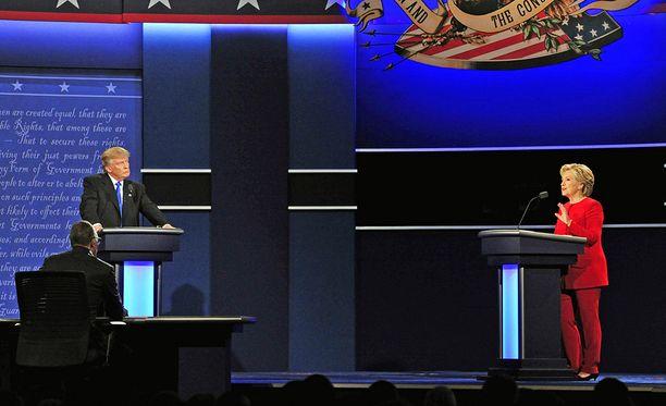 Ensimmäisen väittelyn jälkeen Clintonin suosio nousi selvästi mielipidemittauksissa.