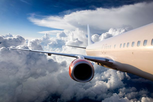 Moni lukija kertoi luopuneensa lentomatkailusta tai vähentäneensä sitä. Kuvituskuva.