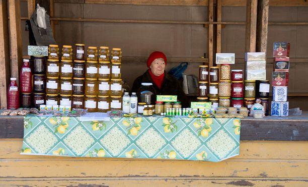 Venäjän maatalousministeriö pitää ulkomaisten makeisten korvaamista venäläisellä hunajalla hyvänä ideana.