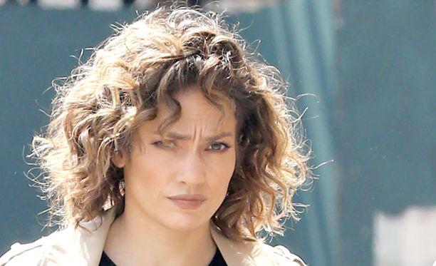 Jennifer Lopez viihtyy sinkkuna.