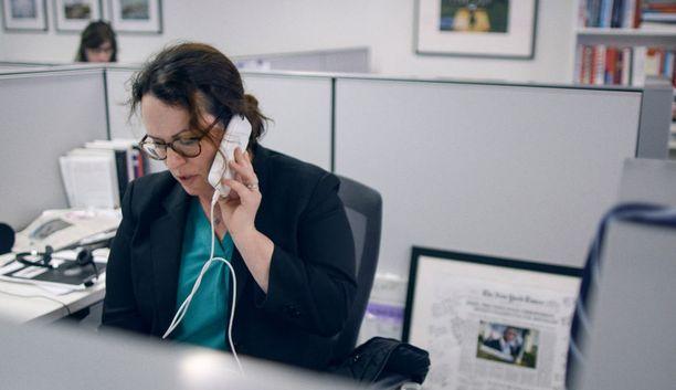 Maggie Haberman puhuu puhelimessa Donald Trumpin kanssa.