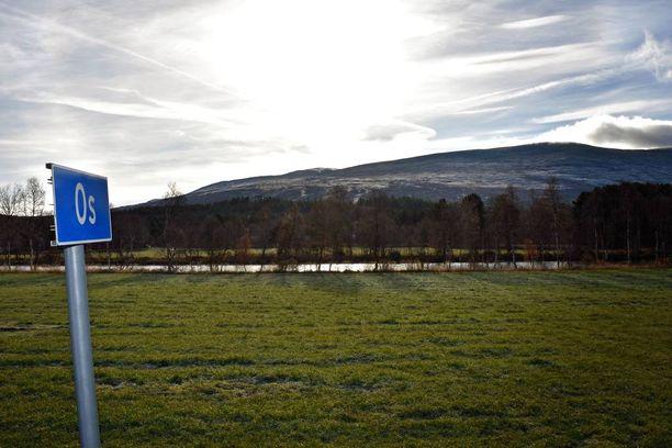 Osin kunta Keski-Norjassa on joen ja vuorien muovaama.
