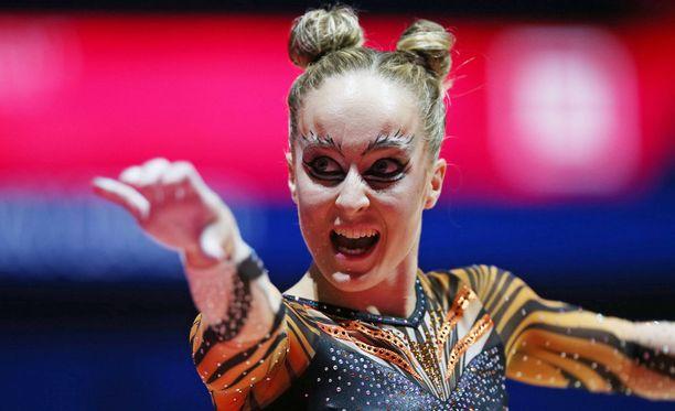 Hollantilaisen Celine van Gernerin permantosuorituksessa käytettiin inspiraationa huippusuosittua Cats-musikaalia.