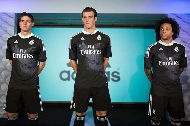 James Rodrigues, Gareth Bale ja Marcelo poseeraavat.