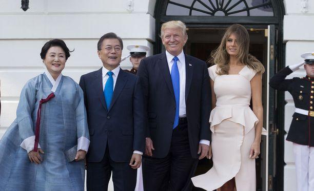 Etelä-Korean presidentti Moon Jae-in ja hänen vaimonsa Kim Jeong-suk vierailevat Yhdysvalloissa.