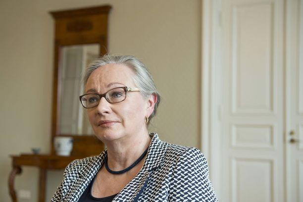 Ensimmäisenä naisena Suomessa korkeimman oikeuden presidentiksi vuonna 2005 valittu Pauliina koskelo toivoisi, että naisten kyvyt tunnistettaisiin ja tunnustettaisiin ilman kiintiöitäkin. Jos edistystä ei muuten tapahdu, kiintiöt saattavat olla yksi keino sitä kohti, hän sanoo.