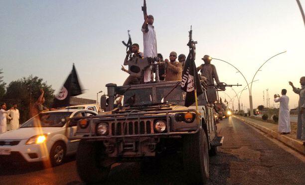 Isis-taistelijat ovat viime aikoina tuhonneet myös kulttuuriperintöä. Isisin äärikonservatiivisen islam-tulkinnan mukaan patsaat ja veistokset ovat islamin vastaisia, koska niiden hyväksyminen tarkoittaa muiden palvonnan kohteiden kuin Allahin hyväksymistä.