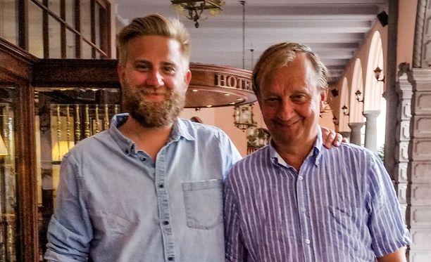 Joel ja Hjallis Harkimon isä-poikasuhde lujittui Atlantin ylityksellä.