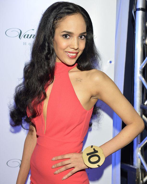 Samira Omer kilpailee numerolla kymmenen.