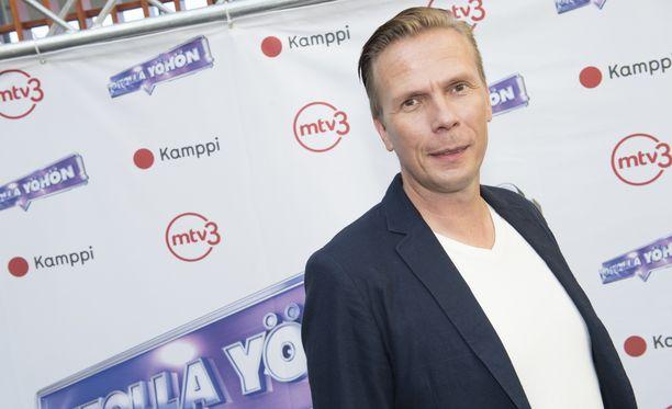 Jukka Rasilalla itsellään on kaksi lasta. Hänelle on ollut iso asia, että lapset kutsuvat häntä isäksi.