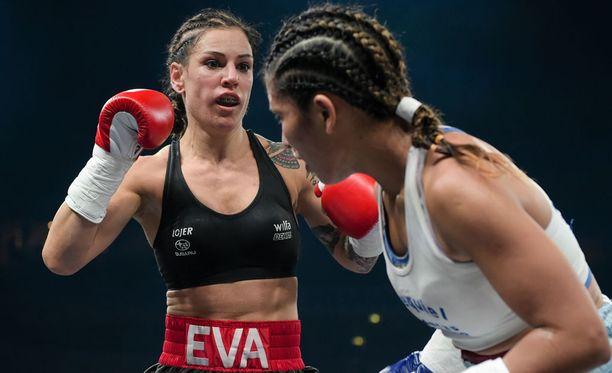 MM-vyö säilyi Eva Wahlströmillä.