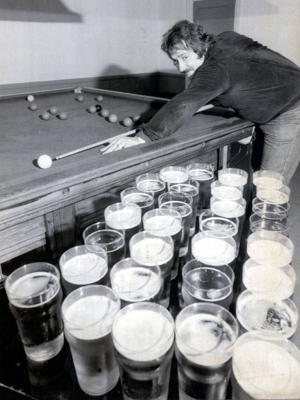 Harjoituspöytä ja 30 tuoppia olutta. Bill Werbeniukin elämäntavat eivät olleet millään mittapuulla terveelliset.