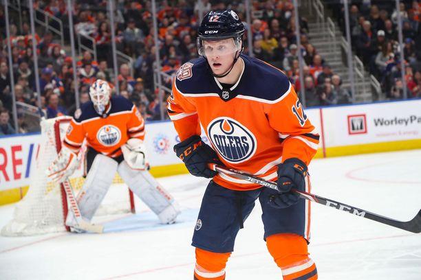 Colby Cave ehti pelata elämänsä aikana 67 NHL:n runkosarjaottelua. Näissä syntyivät tehot 4+5.