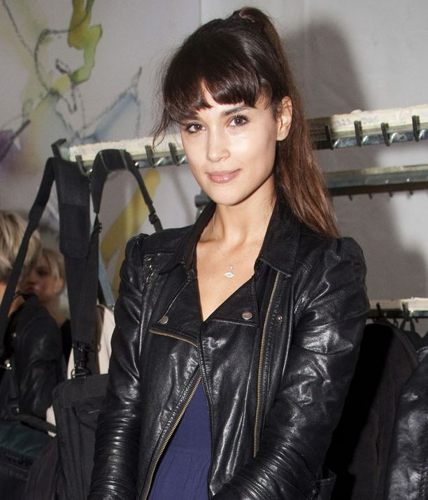 26-vuotiaalla Maryamilla on on suomalainen äiti ja iranilainen isä. Maryam tekee kansainvälistä mallinuraa.