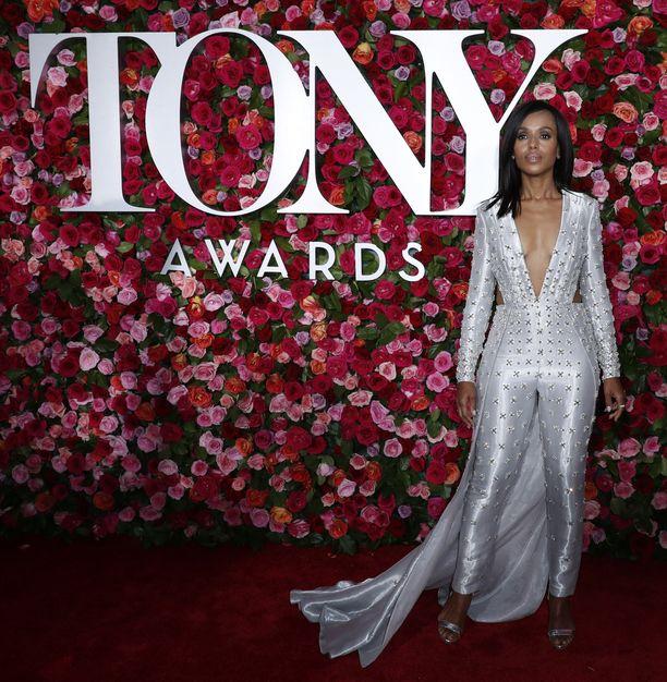 Tony-gaala juhlittiin 10 kesäkuuta Radio City Music Hallissa New Yorkissa. Bostol Legal- ja Scandal -sarjojen tähti Kerry Washington oli yksi gaalan näyttävistä kutsuvieraista.