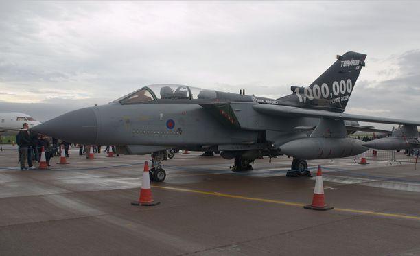 Tornado GR4 kuuluu Britannian kuninkaallisten ilmavoimien nykykalustoon. Kuvituskuva.
