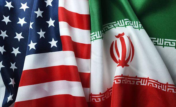 Iranin ja Yhdysvaltojen suhteet ovat olleet jo pitkään vaikeat, mutta ydinsopimuksen kariutuminen heikensi maiden välijä entisestään.