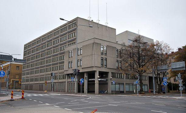 Päijät-Hämeen käräjäoikeus tuomitsi kolmikon ehdottomiin vankeusrangaistuksiin.