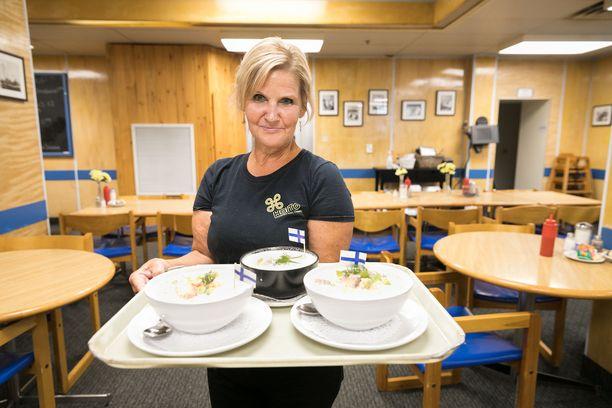 Työ- ja elinkeinoministeriön mukaan koronakriisistä ovat kärsineet pahiten ravintola- ja majoitusalan yritykset. Kuvituskuva.