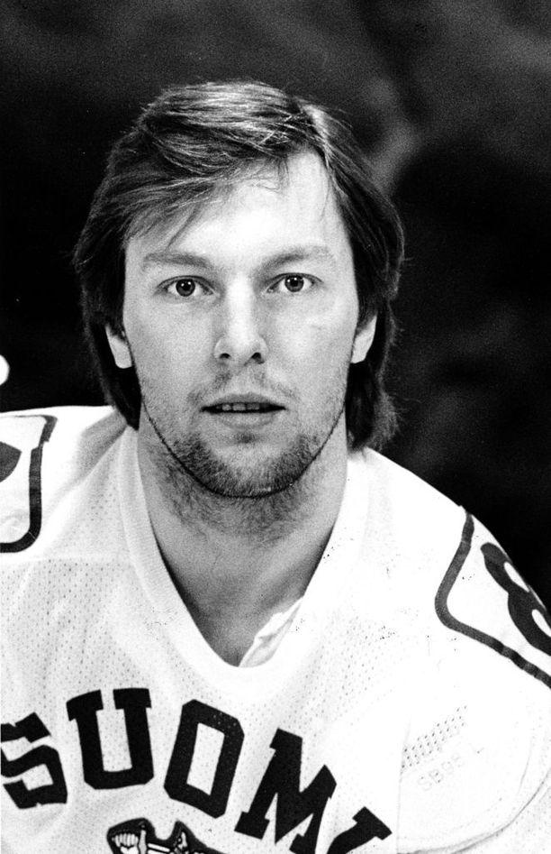 Juha Jyrkkiö oli nuorempana maaliahne laituri. Aikuisena hän pelasi lähinnä puolustajana.