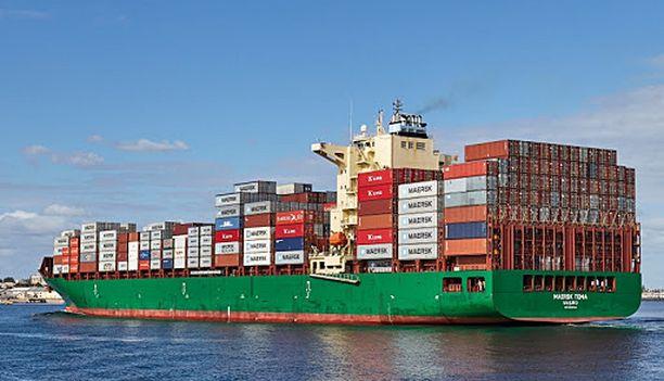 Maersk Tema on 255 metriä pitkä. Sen on vuokrannut saksalaisvarustamo Schulte.
