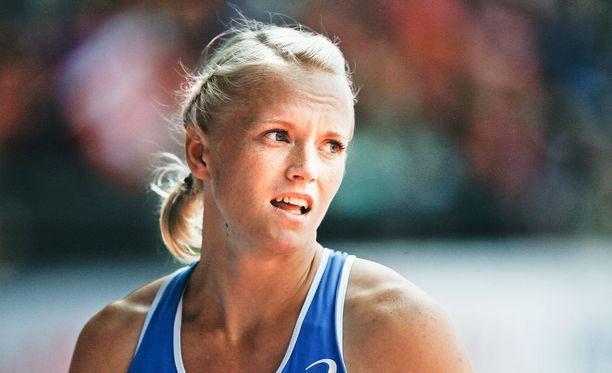 Minna Nikkanen teki Kalevan kisoissa naisten seiväshypyn uuden Suomen ennätyksen.