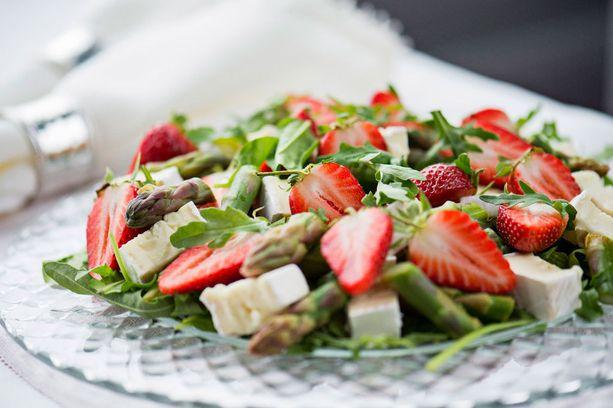 Tätä salaattia on helppo tehdä isompiakin määriä.