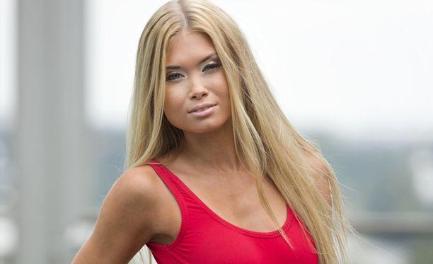 Isabel kruunattiin Miss Helsingiksi vuonna 2014.
