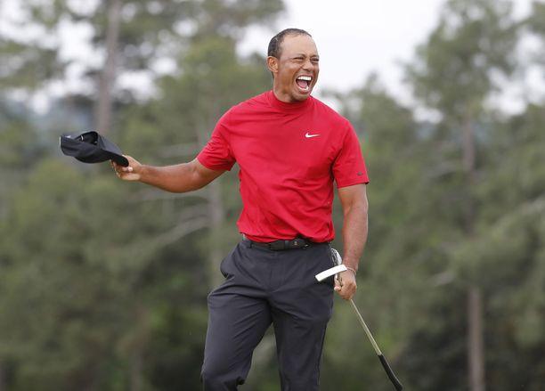 Tiger Woods palasi Augustassa major-voittajaksi yli vuosikymmenen tauon jälkeen.