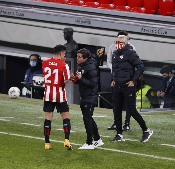 Athletic Bilbaon valmentaja Marcelino Garcia on aloittanut hyvin. Kuvassa ohjeita saa Ander Capa.