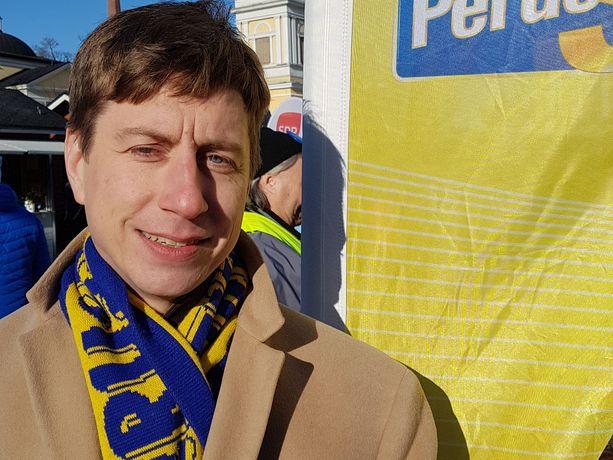 Sakari Puisto pohti, mistä muista puolueista perussuomalaiset on saanut eniten äänestäjiä.