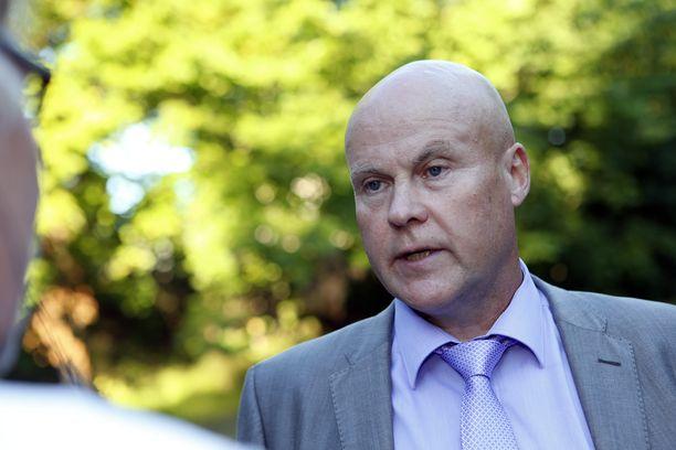 STTK:n puheenjohtaja Antti Palola ei lämpene koville työllisyystoimille.