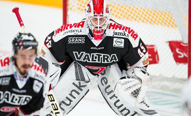 Jussi Olkinuora joutui torjuntatöihin vasta kolmannessa erässä.
