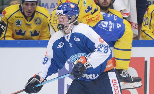 Patrik Laine pukeutui ensimmäisen kerran A-maajoukkuepaitaan.
