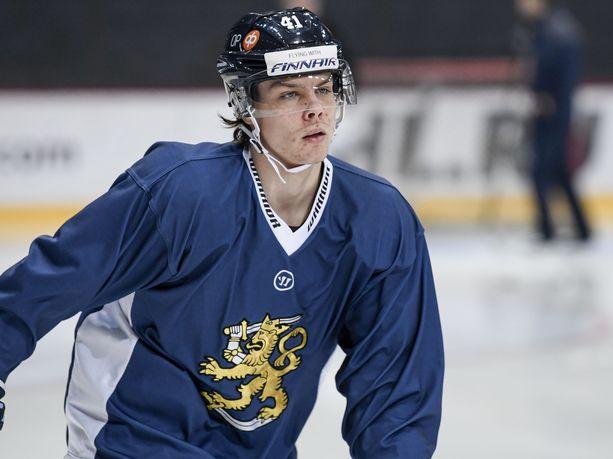 Viime kaudella Leijonissa debytoinut Miro Heiskanen on vakuuttanut Dallasin treenipeleissä kypsillä otteillaan.
