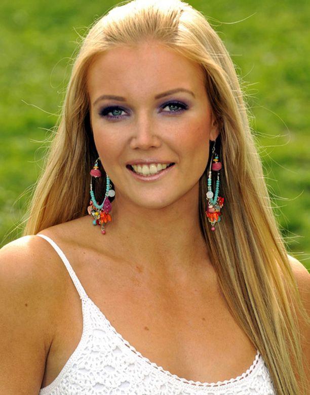Essi Pöysti kilpailee Miss Universum -kisoissa luottavaisin mielin.