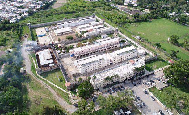 Kesäkuussa neljä ihmistä tapettiin Tamaulipasin osavaltiossa Ciudad Victoria vankilassa. Kuolleista kolme oli poliiseja.